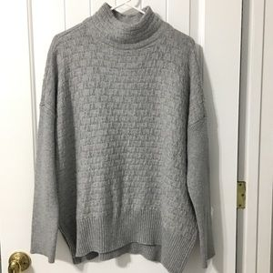 NWT Vince Camuto Gray Waffle Knit Oversize Sweater